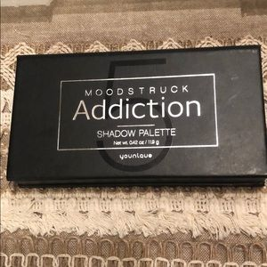 Younique Moodstruck Addiction Eyeshadow Palette #5